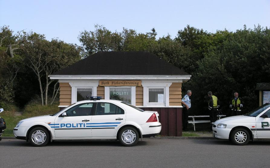 Madpakkehuset var oprindeligt et venteskur på Obling trinbræt. I 2004 agerede huset sågar midlertidigt politistation under Bork Havnefestival.